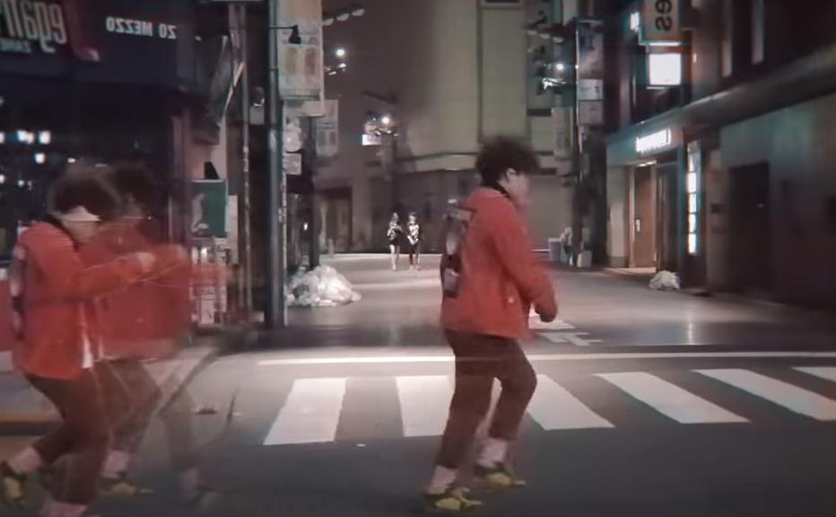 フラッシュ 歌詞 東京